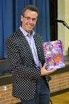 Эрик Литвин - автор книги Котик Петенька и его четыре чудесные пуговки
