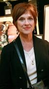 Мари Гранпре - автор книги Сквозь окно. Взгляд на жизнь и искусство Марка Шагала